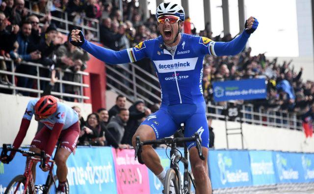 Philippe Gilbert je šele tretjič v karieri dirkal na Pariz-Roubaixu, a je že zapisan med legende severnega pekla. FOTO: AFP
