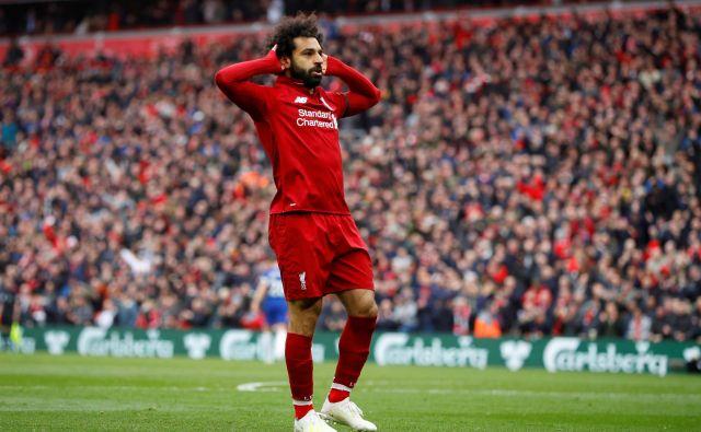 Liverpool je dobil derbi s Chelseajem, gol za končnih 2:0 je zabil Mohamed Salah. Razlika med Liverpoolom in Manchester Cityjem ostaja dve točki. FOTO: Reuters