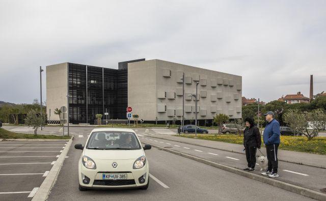 Avtorja idejne zasnove kampusa Univerze na Primorskem in arhitekta prvega stolpiča v kampusu sta Tina Gregorič in Aljoša Dekleva.FOTO: Voranc Vogel/Delo
