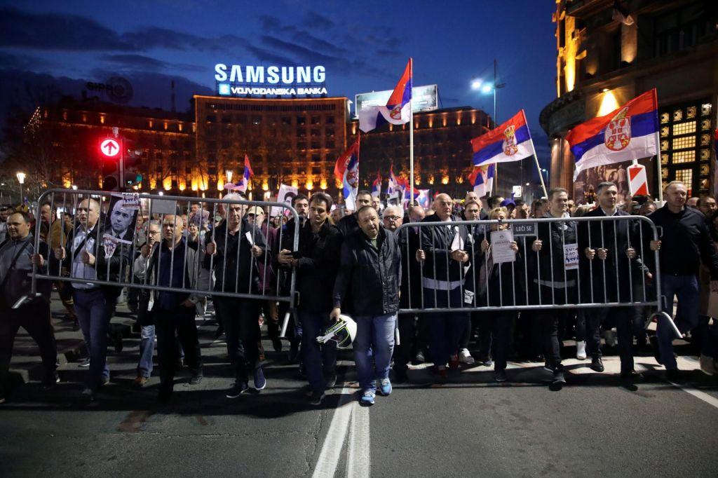 Srbska vojska ne bo dovolila nasilnega rušenja vlade