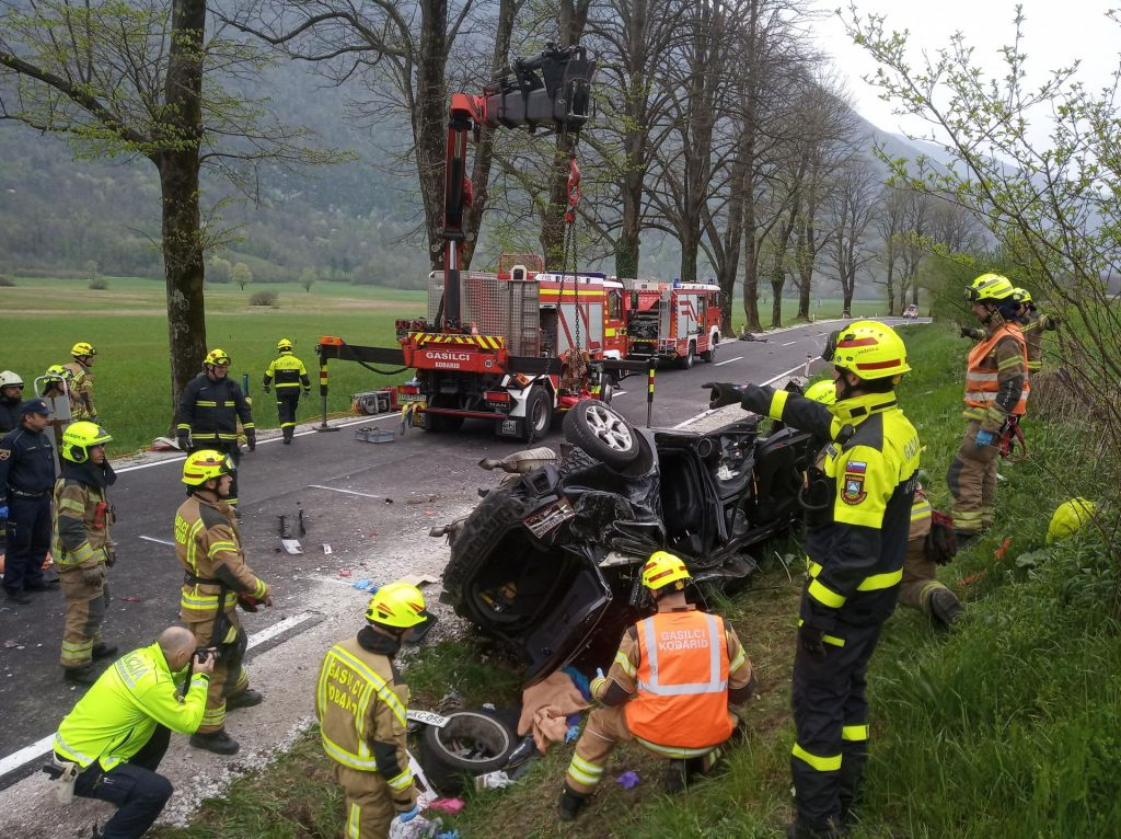 Prometna nesreča pri Kobaridu usodna za tri domačine