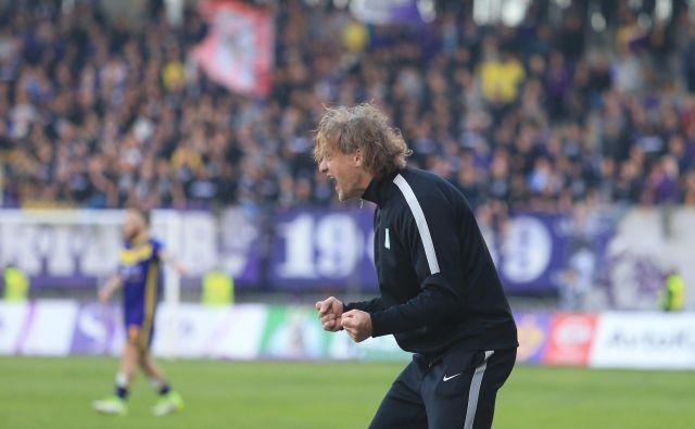 Safet Hadžić je bil tudi pred dvema letoma po odstavitvi Marijana Pušnika le do konca sezone trener Olimpije. FOTO: Tadej Regent/Delo