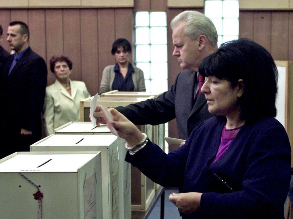 Vdova Slobodana Miloševića umrla kot iskana oseba