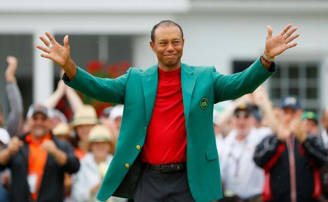 Pot do petega zelenega suknjiča je bila dolga in zahtevna. Večkrat se je zdelo, da je konec njegove ere, a je v Augusti Tiger Woods naposled poskrbel za izjemno športno zgodbo. Foto AFP