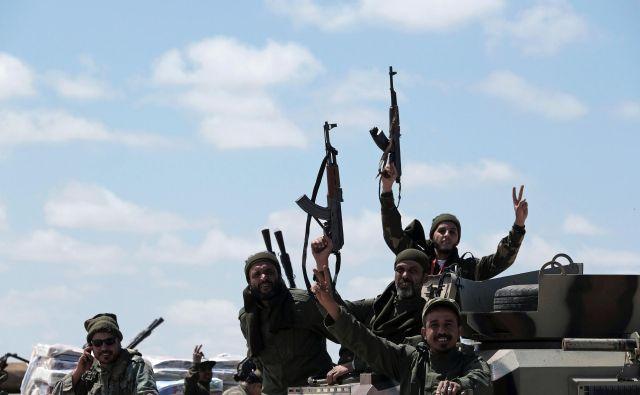 Haftar je naskok na Tripoli začel le nekaj dni pred napovedanim začetkom pogajanj o prihodnosti Libije. FOTO: Reuters