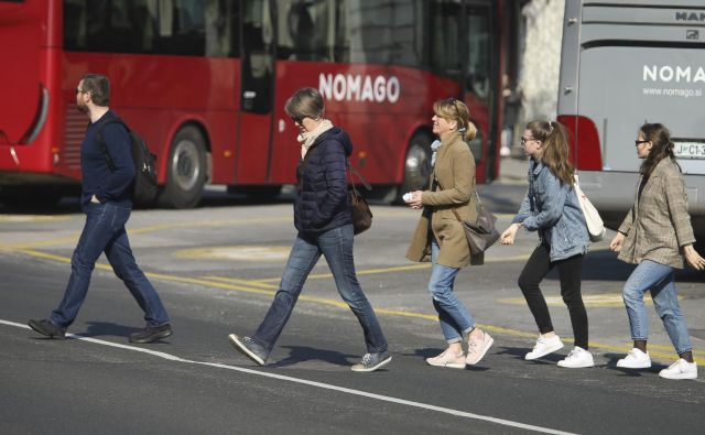V Sloveniji smo pripravljeni na začetek ere zelene mobilnosti, pri čemer je na javni potniški promet treba gledati širše kot pred nekaj leti. FOTO: Jože Suhadolnik/Delo