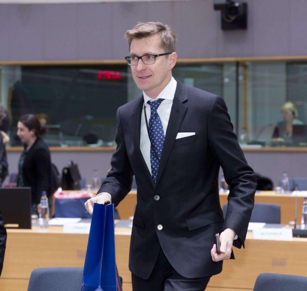 Avtogol Pahorjevega favorita za veleposlanika v Zagrebu