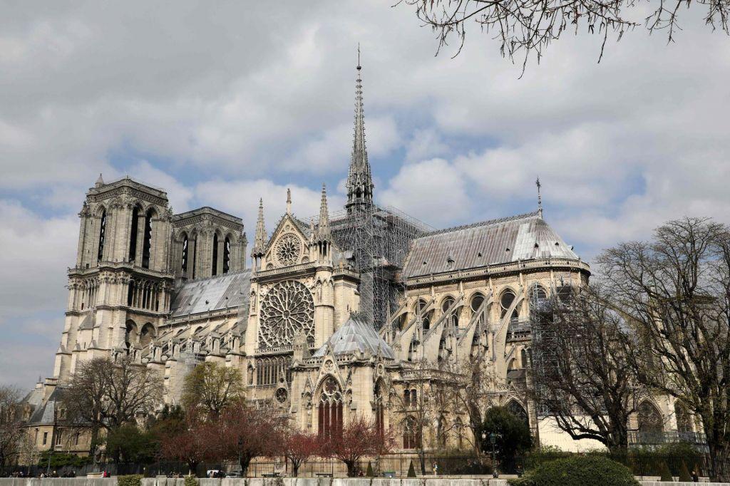 FOTO:Katedrala Notre Dame, najbolj obiskana znamenitost Pariza