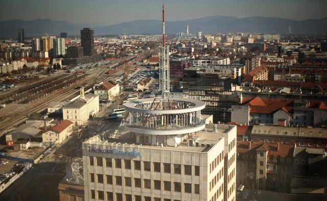Telekomu na domačem trgu upadajo tržni deleži, poleg tega ima kar nekaj težav z novimi projekti in preostalimi projekti na tujih trgih. FOTO: Jure Eržen/Delo