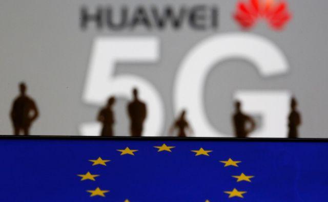 Kaže, da je »Huaweieva svetovna ureditev« zahodni del EU obarvala z nevtralno barvo. FOTO: Reuters