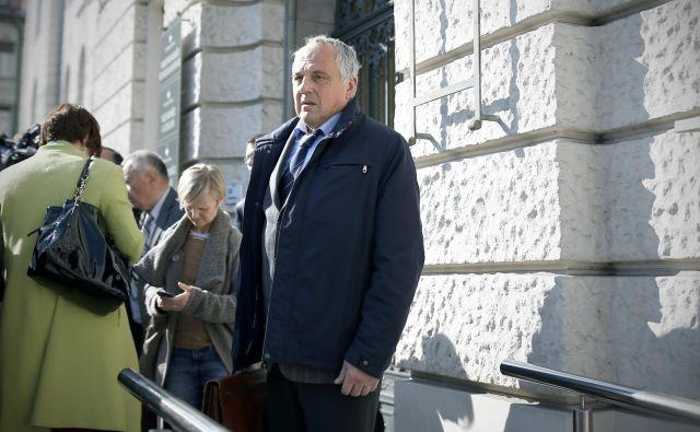 Predsednik sodnega senata Zvjezdan Radonjić je v izreku sodbe dejal, da je jasno, da Novič v času, ki ga je imel na voljo, ni mogel priti na kraj umora. FOTO: Bla�ž Samec/Delo
