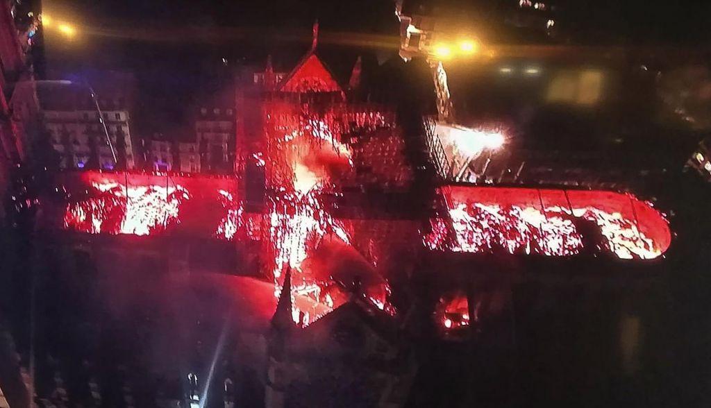 FOTO:Kako je zgorela Notre Dame