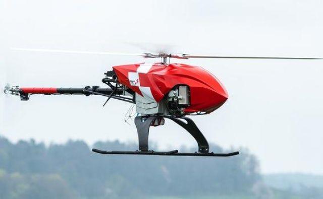 Rega dron lahko preišče mnoge, za helikopter težko dostopne dele pokrajine in »vidi« tudi skozi meglo. Foto: Rega
