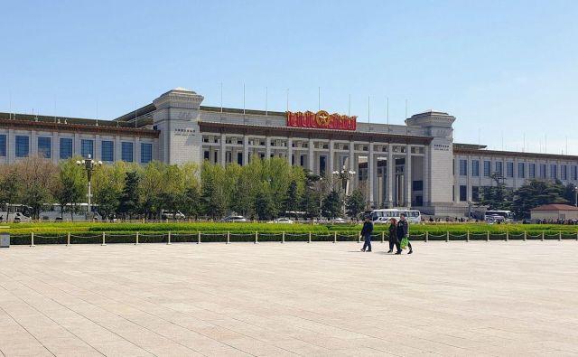 Nacionalni muzej Kitajske v Pekingu se razprostira na 200.000 kvadratnih metrih. FOTO: Daša Pavlovič/Narodni muzej Slovenije