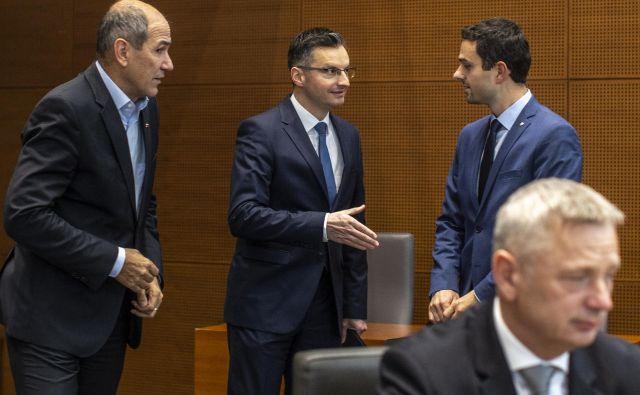 V SDS in NSi nasprotujejo predlogu vlade Marjana Šarca. Matej Tonin si želi, da bi se vrnili k predlogu, ki so ga pripravili v času, ko so se pogajali za vstop v vlado. FOTO: Voranc Vogel