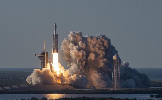 Falcon heavy bo na naslednjem poletu imel zanimiv tovor. FOTO: SpaceX