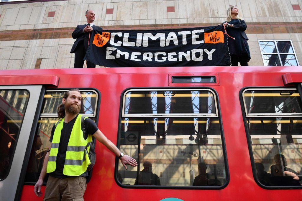 FOTO:Protestniki ohromili londonsko podzemno železnico