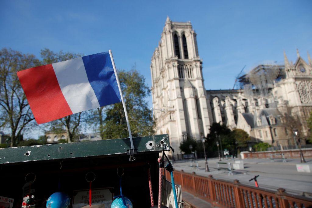 FOTO:Prenovljena Notredamska katedrala s pridihom modernega?