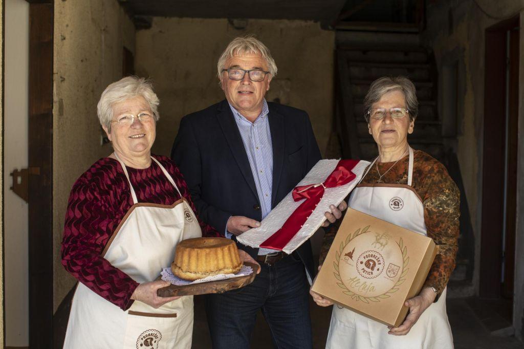 FOTO:Podbreško potico jedli tudi v Vatikanu
