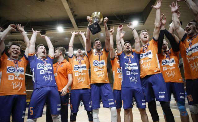 Odbojkarji ACH Volleyja so osvojili že 16. naslov državnih prvakov. FOTO Uroš Hočevar