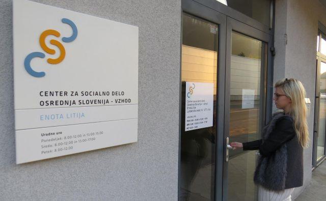 Na ministrstvu za delo, družino in socialne zadeve so z najemnimi prostori CSD ob Ljubljanski cesti v Litiji očitno zadovoljni. FOTO: Bojan Rajšek/Delo