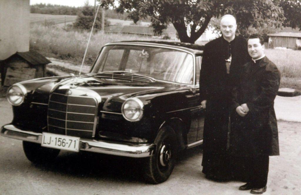 TV namiga: Goreči škof inProsti dan Ferrisa Buellerja