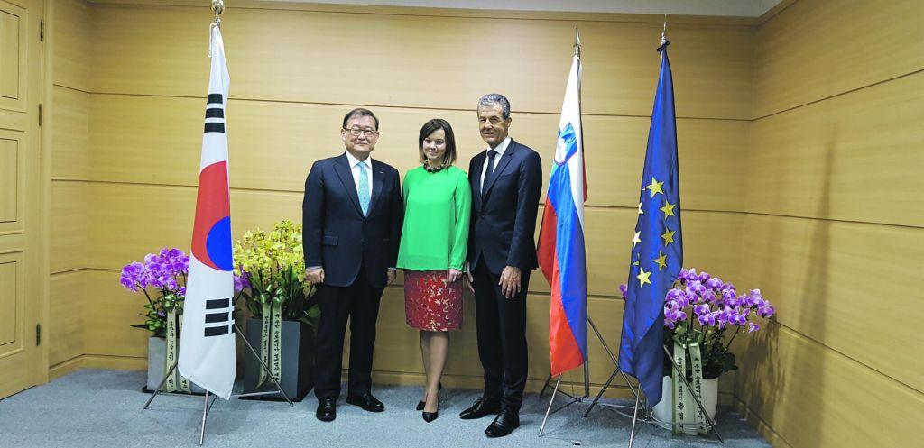 FOTO:Slovenija je v Južni Koreji dobila častnega konzula