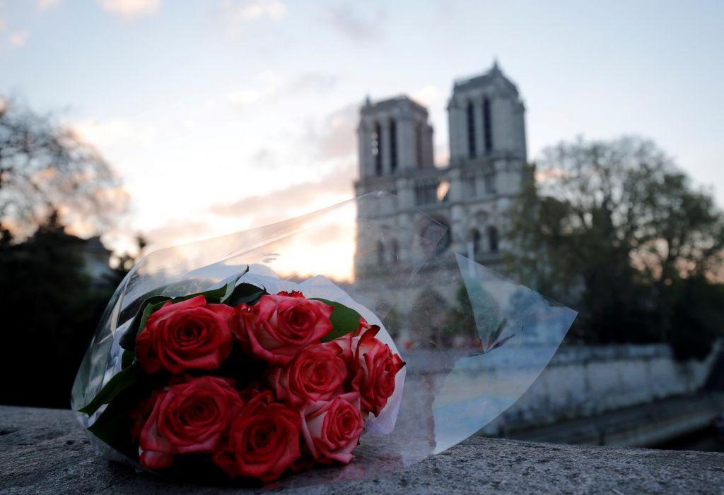 FOTO:Katedrala, denar in cinizmi sveta