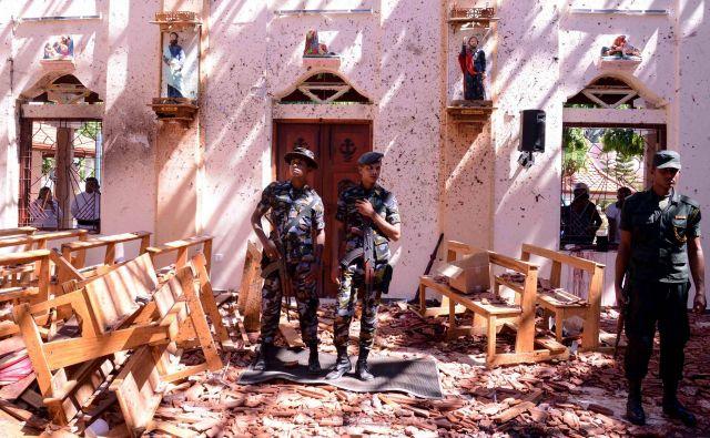 Šrilanka je v nedeljo postala tragično prizorišče grozljivega pobijanja. FOTO: REUTERS