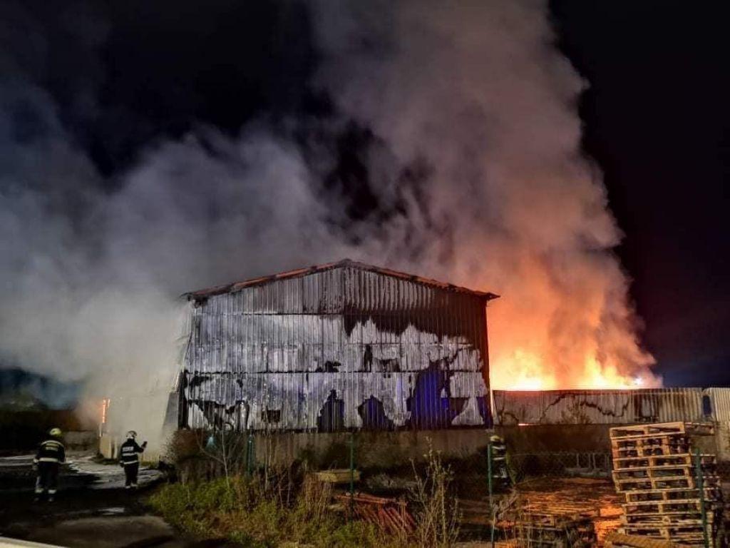 V sortirnici odpadkov v Lenartu znova požar, zagorelo po obisku ministra Zajca