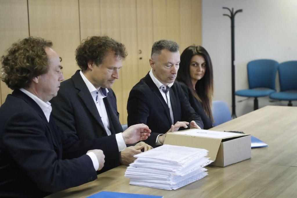 Po Jelinčičevi SNS kandidaturo vložila še Dobra država