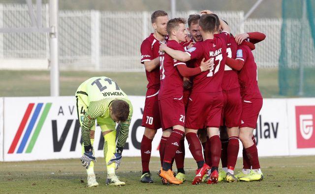 Triglavani so po treh zaporednih porazih spet prišli do zmage. FOTO: Mavric Pivk/Delo