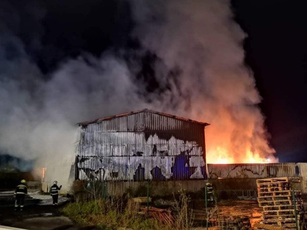 Občina Lenart zahteva ustavitev delovanja podjetja Salomon v Lenartu