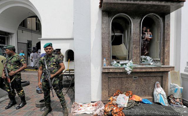 Številne države po svetu so Šrilanki že izrekle besede podpore in obsodile napad. FOTO: Dinuka Liyanawatte/Reuters