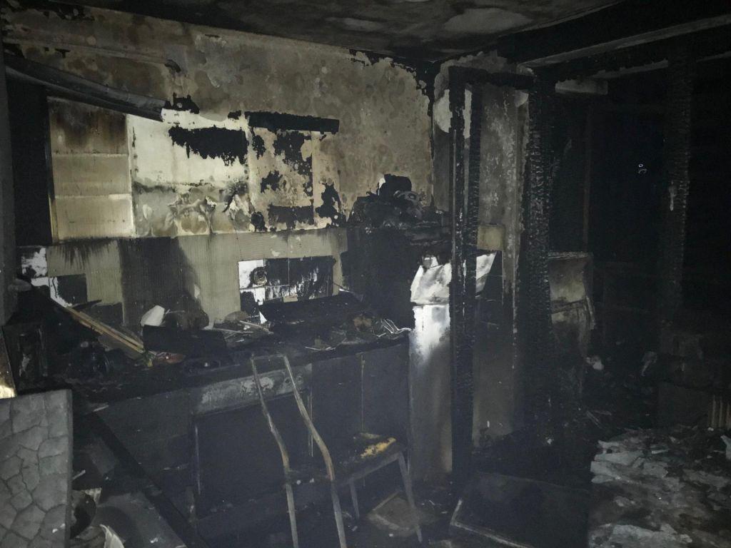 Po požaru na Beblerjevem trgu ogroženo življenje ene osebe