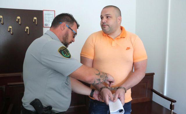 Leon Podlogar je zaradi tega postopka nesorazmerno dolgo v priporu in je zaradi tega slabše tudi njegovo psihično stanje, trdi obramba. Foto Igor Mali