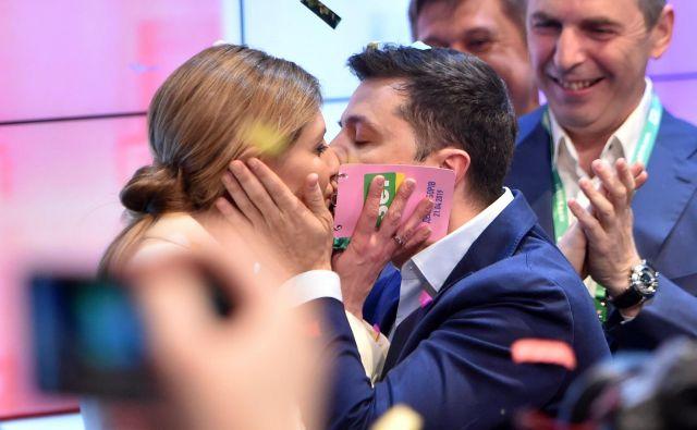 Volodimir Zelenski z ženo Oleno. FOTO: Sergei Gapon/AFP