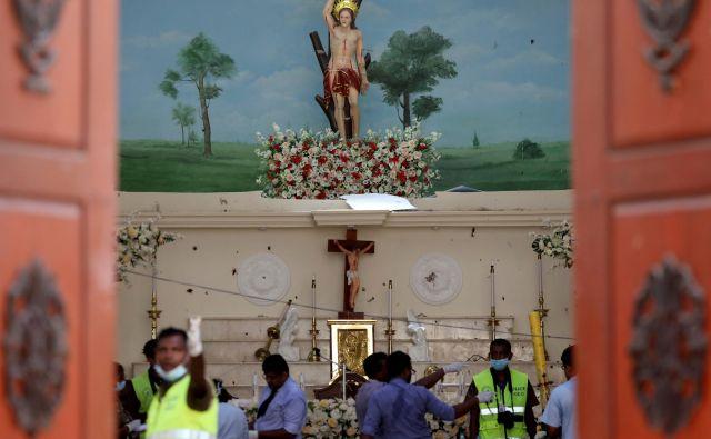 Šrilanška vlada je sporočila, da je za napade odgovorna radikalna islamistična skupina NTJ. FOTO: Athit Perawongmetha/Reuters
