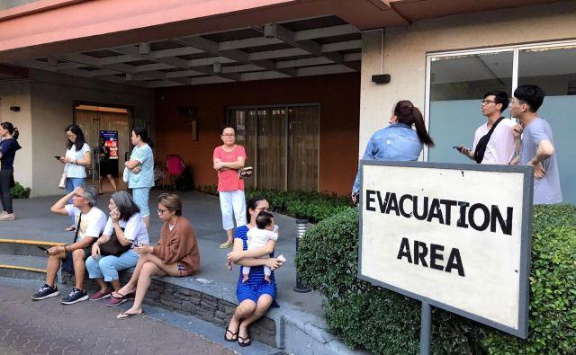 Filipini ležijo na območju tako imenovanega tihomorskega ognjenega obroča, kjer so izbruhi vulkanov in potresi pogosti. FOTO: Neil Jerome Morales/Reuters