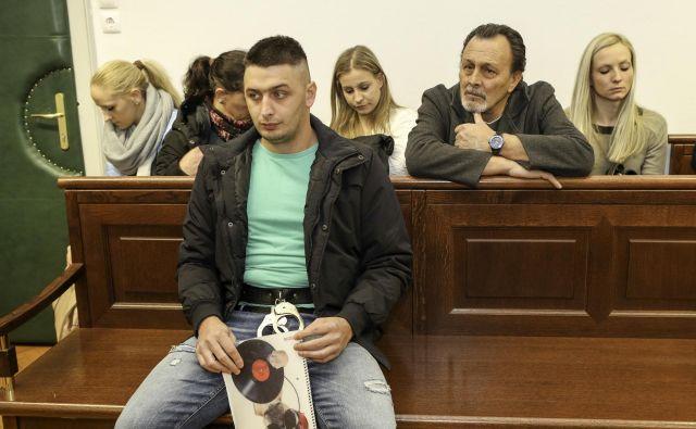 Martin Brezar čaka sodno pošto z višjega sodišča. Foto Marko Feist