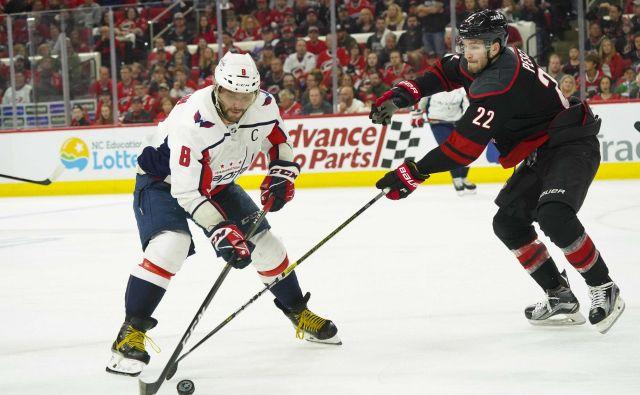 Na sedmi tekmi bodo prvaki iz Washingtona spet zelo odvisni od dnevne forme kapetana Aleksandra Ovečkina. FOTO: Reuters