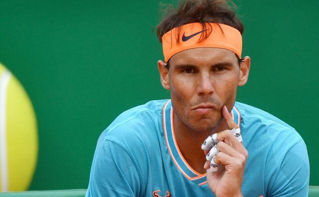 Po enem najslabših dvobojev na pesku sploh si bo Rafael Nadal samozavest skušal okrepiti v Barceloni. FOTO: AFP