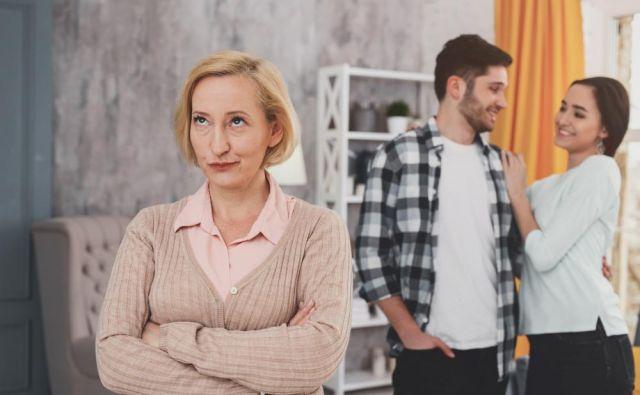 Mama sovraži njegovo dekle. FOTO: Shutterstock