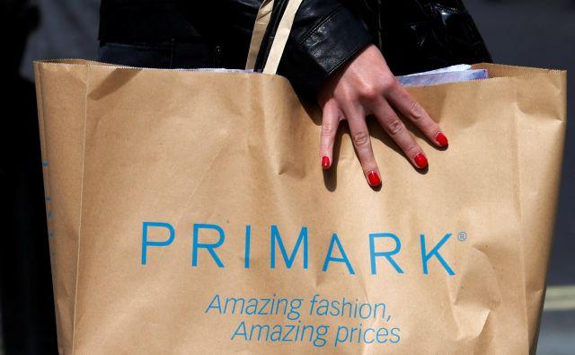 Trgovina Primark je že priljubljena med Slovenci, saj mnogim Gradec ni predaleč za nakupovalni izlet. Zato si v podjetju obetajo, da bo tudi njihova ljubljanska trgovina med kupci dobro sprejeta.FOTO: Suzanne Plunkett/Reuters