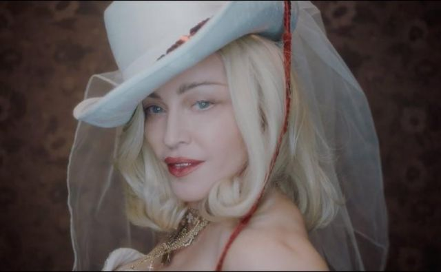 Madonna kot Madame X, prizor iz videa.