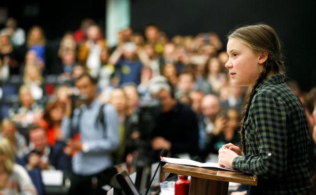 Greta Thunberg je obredla že številne mednarodne in nacionalne institucije. Na fotografiji med govorom v evropskem parlamentu. FOTO: Reuters