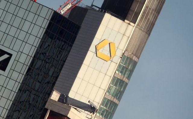 Po naznanitvi prekinitve pogovorov o združitvi se je vrednost delnic Deutsche Bank povečala pri Commerzbank pa upadla. Foto: Daniel Roland, AFP