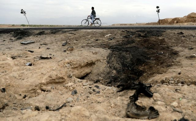 Čeprav je v Afganistanu v prvih treh mesecih letos umrlo 581 ljudi, je to za slovensko vlado varna država. FOTO: Reuters