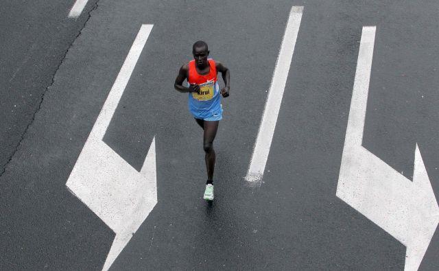 So organizatorji polmaratona v Trstu razmislili, kaj narediti z afriškimi maratonci, ki imajo potni list kakšne od evropskih držav? FOTO: Igor Mali