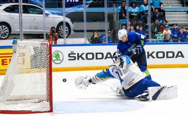 Anže Kuralt je zabil prvi gol za Slovenijo na svetovnem prvenstvu skupine B v Kazahstanu. FOTO: Matic Klanšek Velej/Sportida